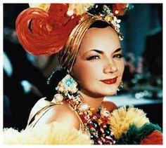 """Com apoio do Minc e da programadora Brasil, o Cineclube Canoa debate, dia 17,o tema 'A imagem e o sucesso de mulheres no cinema', a partir da exibição de dois filmes:Carmen Miranda: Banana is my Business, de Helena Solberg, eCarmen Miranda, de Jorge Ileli. As sessões acontecem toda terça-feira, a partir das 17h, na Rua...<br /><a class=""""more-link"""" href=""""https://catracalivre.com.br/manaus/agenda/gratis/clubecine-canoa-homenageia-carmem-miranda-com-sessoes-gratuitas/"""">Continue lendo »</a>"""