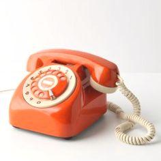 Telephone vintage, vintage phones, orange is the new black, anthropologie, Telephone Retro, Retro Phone, Murs Oranges, Orange Phone, My Favorite Color, My Favorite Things, Walpaper Black, Vintage Phones, Orange Aesthetic