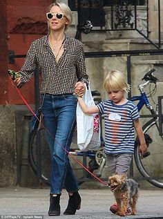 "Samuel Kai Schreiber ""Kai"" and mommy Naomi Watts"
