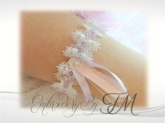 Wedding garter lace  FSL / 4x4 hoop/  mini flower