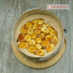 Entrement cu banane, caramel și glazură oglindă- cel mai delicat desert, mai fin și delicios ca acesta nu ai mâncat! - savuros.info