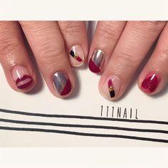 ▪◽▪▼ #nail#art#nailart#ネイル#ネイルアート #lip#rouge#Burgundy#red#ミラーネイル#クリアネイル#手描きアート#illustration#ショートネイル#nailsalon#ネイルサロン#表参道#red111#クリアネイル111#手書きアート111#ミラー111