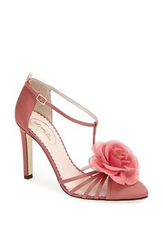 The SJP 'Etta' Pump is a perfect shoe choice for the spring wedding we are all going to- not to mention the horse races! The pink flower adds the bit of springtime touch that every outfit needs. Lets all take a second (or hours) to appreciate this shoe collection. I am having major shoe lust! #sweepsentry