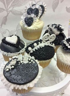 Lacey Black and White cupcakes Wedding Cupcakes, Mini Cupcakes, Black And White Cupcakes, Lacey Black, Cake Decorating, Cheesecake, Desserts, Food Time, Contour