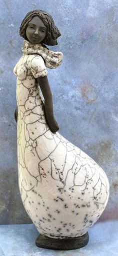 HILDA SOYER Sculptures Céramiques, Sculpture Clay, Ceramic Figures, Ceramic Art, Modern Art Movements, Raku Pottery, Clay Art, Female Art, Sculpting