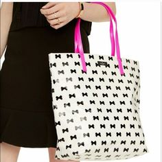 Host PickKate Spade Daycation Bon Shopper ❌PRICE FIRM❌Brand new Kate Spade Daycation Bon Shopper. Cute design with black bow pattern and hot pink handles. Two pockets on the inside. Still in original wrapping.Size approximately 13 1/2 by 16. kate spade Bags Totes