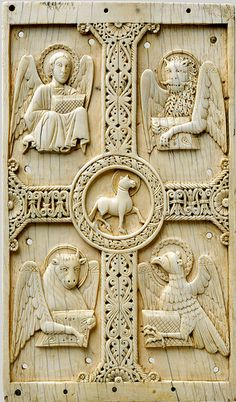 NYC MET - ivory panel with Agnus dei & tetramorph 1c uhr [c 1000-1050]