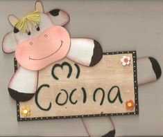 Moldes de vacas para manualidades - Imagui Kitchen Towels Hanging, Wood Block Crafts, Cartoon Cow, Cow Pattern, Cow Art, Country Paintings, Clay Ornaments, Country Art, Mothers Day Crafts