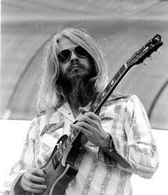Guitar Guy, Guitar Players, Guitar Chords, Music Icon, Art Music, Scotty Moore, Rock And Roll History, Leon Russell, Steve Earle