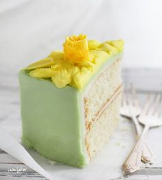 Daffodil #Easter #Spring #cake - looks too good to eat
