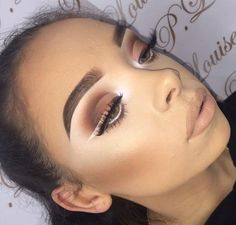 White eyeliner trend with brown smokey eye, nude lips look Pinterest @trulynessa89 ⛤