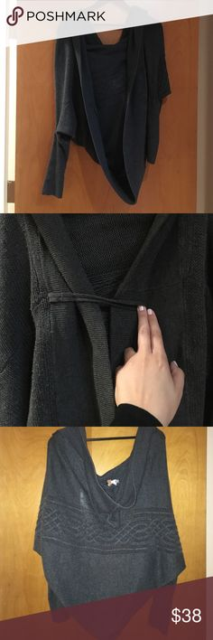Circle knit thick jacket dark gray small/medium Pre owned but still has a lot of wear left. Perfect for winter keeps you warm. Just missing the front button can replace with any kind u like. Has a hood. Always complimented when worn it. Purchased from a boutique in Beverly Hills just dry cleaned Zara Jackets & Coats