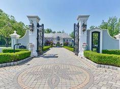 12 The Esplanade Alpine, Nova Jersey, Estados Unidos – Luxury Home For Sale Home Theater Screens, Compound Wall Design, Cozy Library, Rio Vista, Barbecue Area, Pool Cabana, French Countryside, Entrance Gates, Large Homes