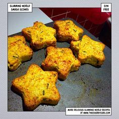 These cheesy smash scones are a quick snack idea - you'll need to decide where you sit with Slimming World's policy on tweaking, but these are worth it! Remember, at we post a new Slimming World recipe nearly every day. Our aim is good food, low in syns a Slimming World Taster Ideas, Slimming World Snacks, Slimming World Recipes, Slimming Eats, Healthy Bedtime Snacks, Healthy Snacks, Healthy Recipes, Healthy Breakfasts, Veggie Recipes