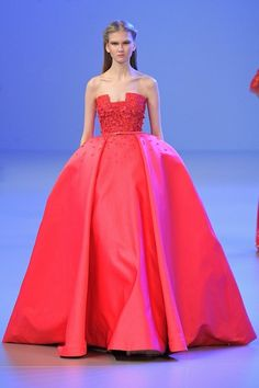 Foto ESCL2014 - Elie Saab Couture  #Spring 2014 (1) - Shows - Fashion - VOGUE Nederland