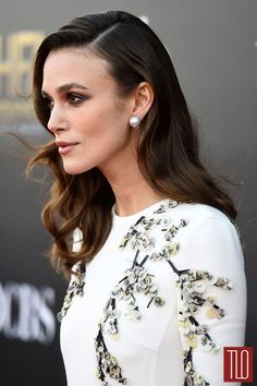 Keira-Knightley-2014-Hollywood-Film-Awards-Red-Carpet-Fashion-Giambattista-Valli-Tom-Lorenzo-Site-TLO (5)