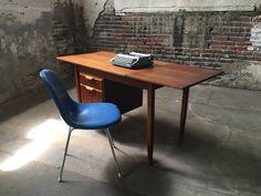Mid century modern desk Etsy shop https://www.etsy.com/listing/522296030/mid-century-modern-desk-danish