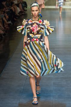 Dolce  Gabbana Spring 2013 RTW - Review - Fashion Week - Runway, Fashion Shows and Collections - Vogue - Vogue