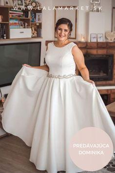 Cena: 350 € Silueta: A-Línia Veľkosť na štítku: 46 (EU) Značka/dizajnér: IRIAN SAM Stav: Použité (oblečené na svadbe) #svadobnesaty #svadba #nevesta #weddingdress #wedding #bride Silhouettes, Formal Dresses, Fashion, Dresses For Formal, Moda, Formal Gowns, Fashion Styles, Silhouette, Formal Dress
