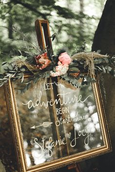 Amazing Design of an outside wedding ceremony. Informations About Styling van een bui. Wedding Welcome Signs, Wedding Signs, Wedding Ceremony, Our Wedding, Wedding Parties, Tent Wedding, Boho Wedding Decorations, Aisle Decorations, Festival Wedding