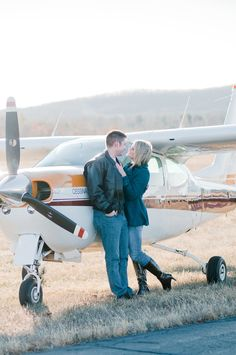 airplane-engagement-session015