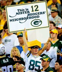 Google Image Result for http://i.cdn.turner.com/si/multimedia/photo_gallery/0909/nfl.fans.week1/images/packers-fan.jpg