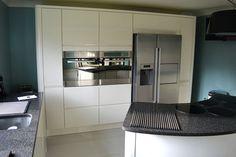 An Innova Luca Gloss Alabaster Kitchen - http://www.diy-kitchens.com/kitchens/luca-gloss-alabaster/details/