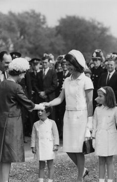 royaltyfashions:    The Queen meeting Jackie Kennedy Onassis