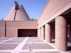 Mario Botta, Parish church of the Blessed Odorico of Pordenone , Italy Church Architecture, Religious Architecture, Amazing Architecture, Minimalist Architecture, Contemporary Architecture, Mario Botta, Modern Church, San Francisco Museums, Brickwork