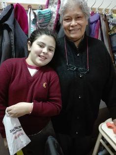 María y su abuela, quién narró la leyenda de las manchas del sapo. Toad, Stains, Legends, Classroom