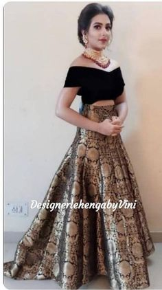Party Wear Indian Dresses, Designer Party Wear Dresses, Party Wear Lehenga, Indian Gowns Dresses, Indian Bridal Outfits, Indian Fashion Dresses, Kurti Designs Party Wear, Dress Indian Style, Indian Designer Outfits