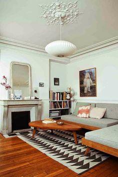 La maison parisienne d'une designer de meubles scandinave
