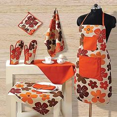 Orange Bokey Kitchen Linen Set- Bloom your ambience and bring colorful exclusivity in your kitchen.