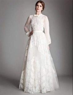 http://www.yeniabiyeler.com/wp-content/uploads/2014/06/beyaz-tesettur-dantel-elbise.jpg adresinden görsel.