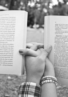༺M༻ The romance of reading books with your partner. I Love Books, Good Books, Why Book, True Love, My Love, Hopeless Romantic, Bibliophile, Couple Photography, Couple Goals