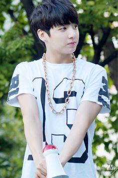  BTS  #Bangtan Jungkook // auggh why does he look so squishyyyy whyyyy do u have to be younger than me wAEEEE