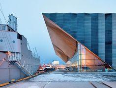 centrum sztuk performatywnych Kilden ALA Architects  Kilden gromadzi pod swoim dachem wszystkie instytucje sztuki scenicznej — miejską orkiestrę symfoniczną, teatr oraz operę, a także organizację zarządzającą kulturą — stanowiąc największe centrum sztuki między Oslo a Stavanger, a jego architektura od momentu otwarcia budynku wzbudza entuzjazm lokalny i uznanie międzynarodowe.
