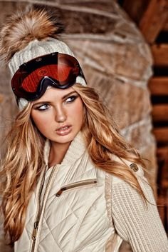 Ski Aspirations–Model Romee Strijd reunites with Goldbergh, taking in a cozy winter vacation in celebration of their latest collection. For winter 2014, the label was inspired by a ski trip to Squaw Valley in Lake Tahoe, California, which also played host to the 1960 Winter Olympics. Donning insulated jackets, cozy ponchos, quilted outerwear, western boots …