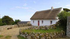 Weg vande gebaande paden Ierland Thatched Cottage at Cnoc Suain