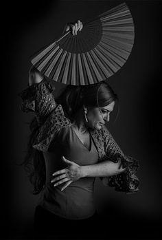 HiSTéRiCaS GrabacioneS: Laura Segovia, sentimiento vital por el flamenco. Entrevista a Laura Segovia
