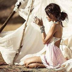 Gypsy Style, Boho Gypsy, Boho Style, Hippie Chic, Boho Chic, Female Portrait Poses, Estilo Indie, Desert Fashion, Moda Boho