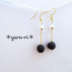 羊毛フェルトとパールのロングピアス Beaded Earrings, Drop Earrings, Cool Diy Projects, Jewelry Making, Hand Crafts, Minne, Beads, Cool Stuff, Felting
