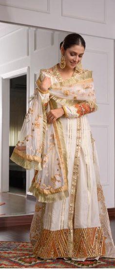 Embroidery On Kurtis, Ayeza Khan, Sari, Dresses, Fashion, Saree, Vestidos, Moda, Fashion Styles