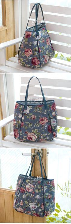 Jar shoulder bag - translate size information Handmade Fabric Bags, Handmade Purses, Quilted Gifts, Quilted Bag, Triangle Bag, Japanese Bag, Denim Tote Bags, Art Bag, Embroidered Bag
