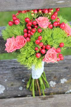 orange coral peach and green bouquet  wedding  http://sophisticatedfloral.com/
