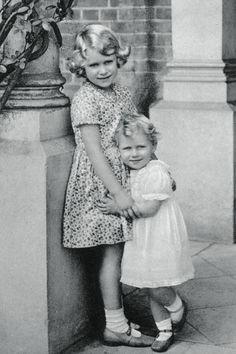Princess Elizabeth and Princess Margaret Pictures - Sneak Peek at Royal Family Photos