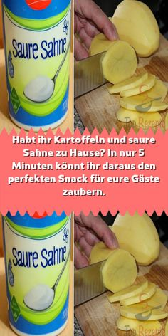 Do you have potatoes and sour cream at home? In just 5 minutes you can make the perfect snack - In addition, if you do not have sour cream at home, just brush the potatoes with oil and mix the ga - Healthy Food List, Healthy Recipes, Snacks Für Party, Sour Cream, Nutella, Brunch, Food And Drink, Potatoes, Diet