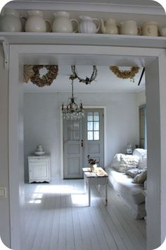Love the contrasting textures against the white!