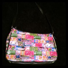 Relic small summer bag Relic small summer bag. In Great condition! Item# 284 Relic Bags Mini Bags