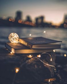 Magic of books Night Sky Wallpaper, Bright Wallpaper, Book Wallpaper, Scenery Wallpaper, Cute Wallpaper Backgrounds, Pretty Wallpapers, Pinterest Photography, Cute Photography, Nature Photography